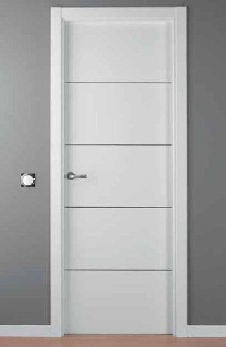 Puerta lacada blanca modelo lac alho 4 for Puertas de interior modernas