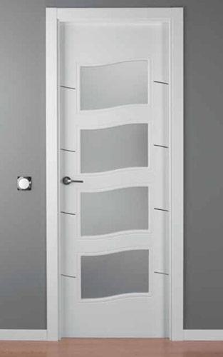 Puerta lacada blanca modelo lac alho 4c 4v for Puerta lacada blanca