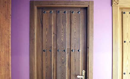 Puertas de interior y exterior puertas innova s l u for Puertas principales de madera rusticas