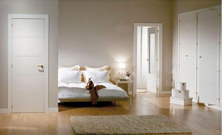 Puertas de interior y exterior puertas innova s l u for Puertas de madera blancas para exterior