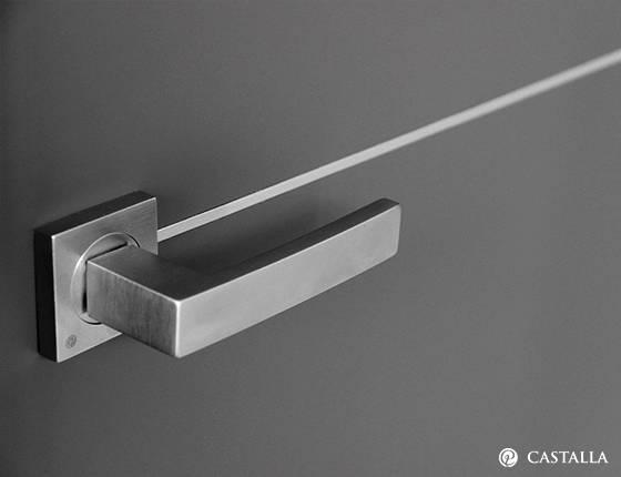 Puerta interior marca castalla modelo merlot costa marfil for Puerta interior gris