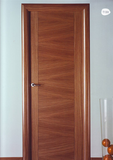 Puerta interior moderna madera t130 puertas innova s l u - Puertas de madera interior ...