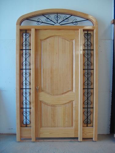 Puerta exterior madera 010 puertas innova s l u for Puertas madera exterior precios