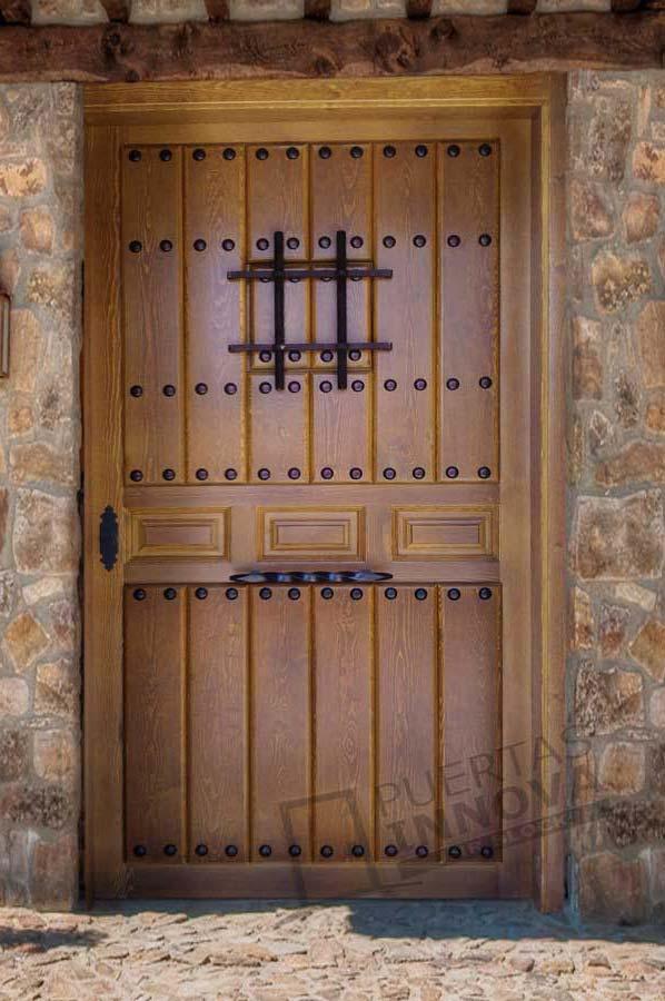 Puerta exterior r stica modelo 4 puertas innova s l u for Puertas macizas exterior