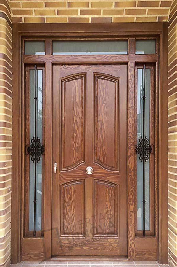 Puerta exterior clasica 26 puertas innova s l u for Catalogo de puertas de interior