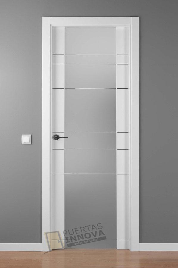 Puerta lacada blanca alho 7 cr cristal puertas innova for Puerta blanca cristal