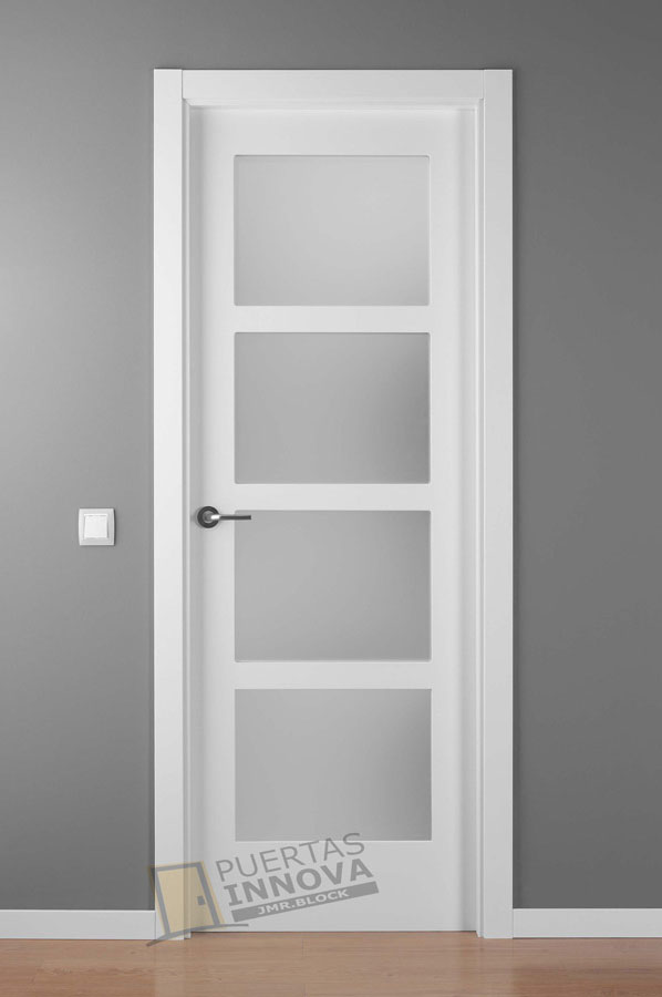 Puerta lacada blanca lac 5104 v4 puertas innova s l u for Puertas de aluminio para habitaciones