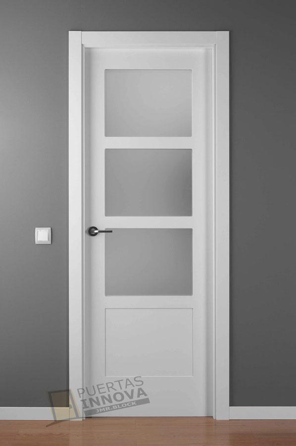 Puerta lacada blanca lac 5104 v3 puertas innova s l u for Puerta lacada blanca