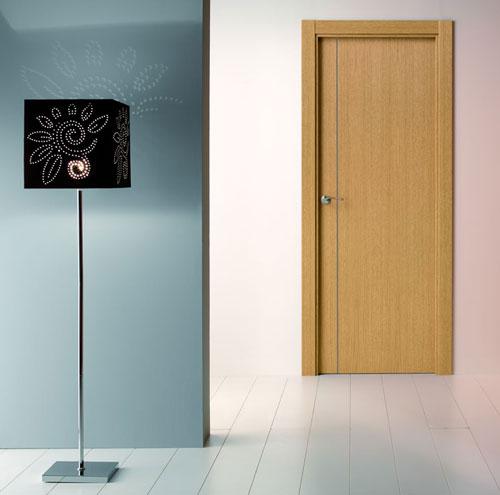 Puerta interior moderna precio base roble o haya for Precio puerta madera interior