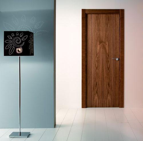 Puerta interior moderna precio base roble o haya for Precio instalacion puertas interior