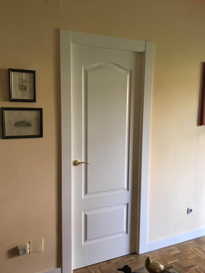 Puertas lacadas blancas en ral 9010 blanco roto - Puertas lacadas en blanco roto ...