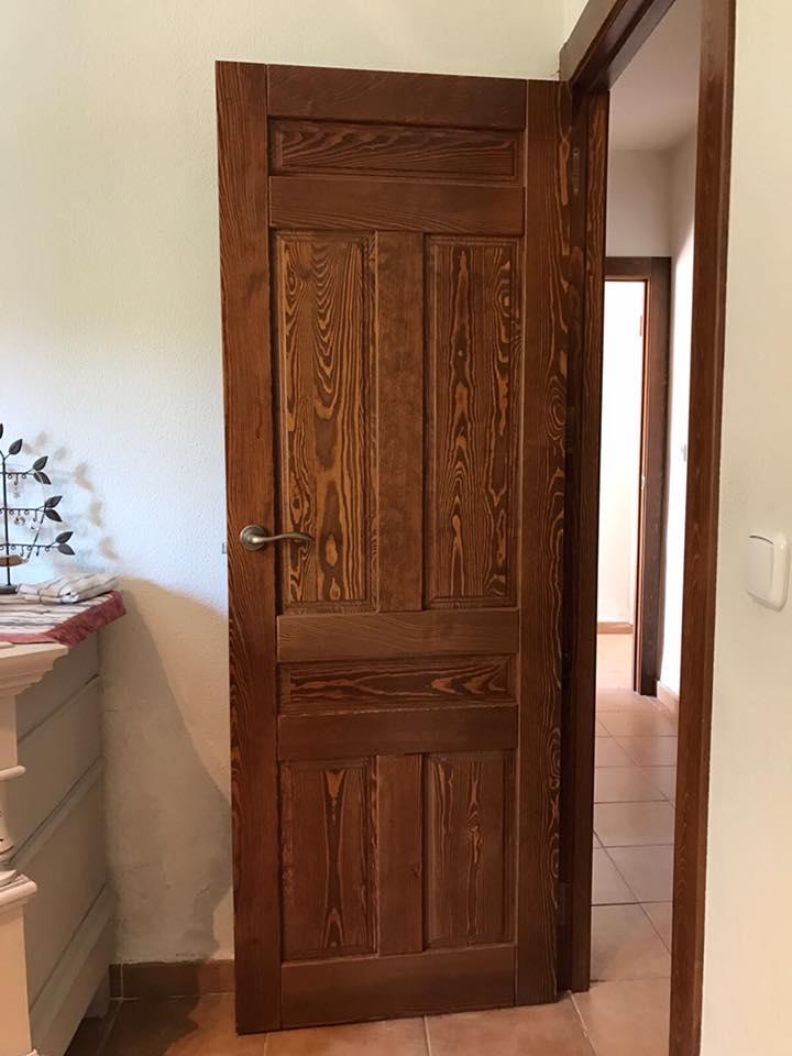 Puertas rusticas de interior modelo iker en casta o al for Puertas rusticas de interior baratas
