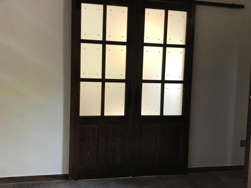 Puertas de interior rústicas modelo 5c BARNIZADAS NOGAL
