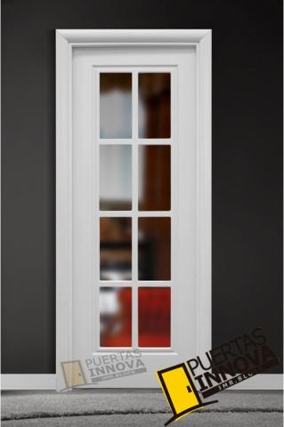 Puerta lacada blanca lac 101 v8 cristal puertas innova s l u for Puerta blanca cristal