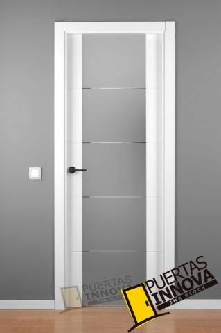 Cat logo puertas lacadas blancas puertas innova s l u for Cristales para puertas de interior