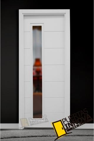 Puerta lacada blanca lac 9006 v1 cristal puertas innova for Puerta lacada blanca