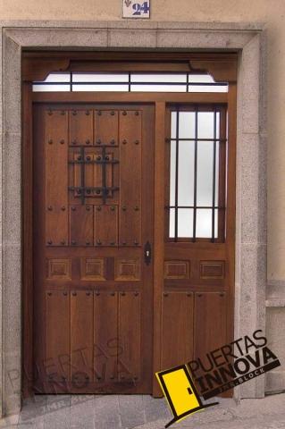 Puertas r sticas de madera de exterior puertas innova s l u for Puertas rusticas exterior baratas