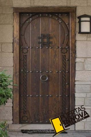 Puerta exterior r stica modelo arabe puertas innova s l u - Puerta rustica exterior ...