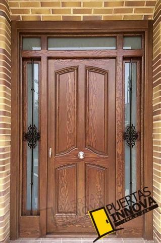 Puertas para exteriores puertas innova s l u for Modelos de puerta de madera para casa