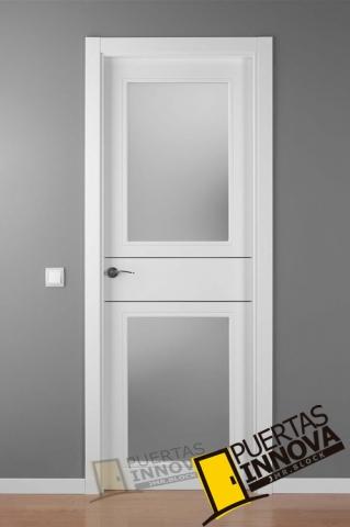 Puerta lacada blanca alho 2 v2 aluminio puertas innova s l u for Puertas exterior modernas aluminio