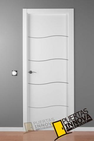 Puerta lacada blanca alho 4c aluminio puertas innova s l u for Puerta lacada blanca