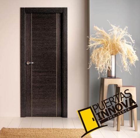 Cat logo puertas de interior modernas puertas innova s l u for Modelos de puertas para interiores