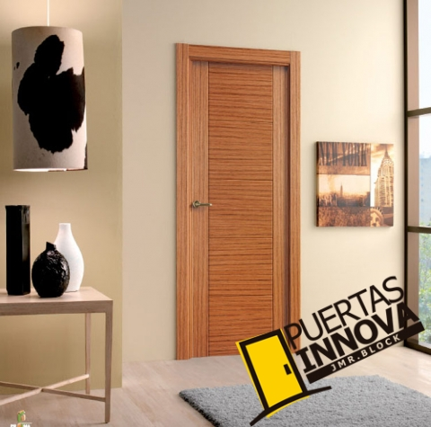 Cat logo puertas de interior modernas puertas innova s l u for Catalogo de puertas de madera para interiores