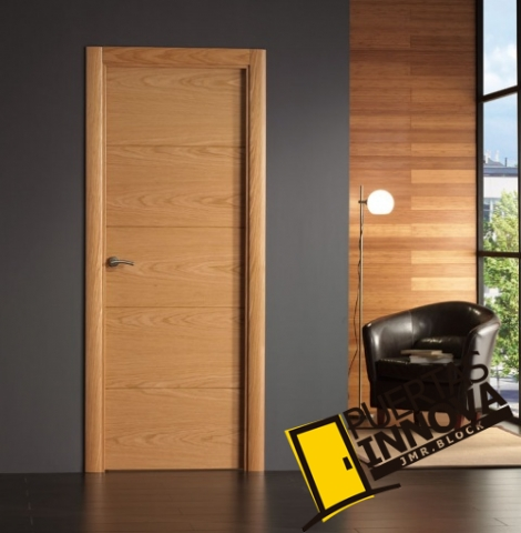Puerta interior moderna base roble o haya for Precio puerta madera
