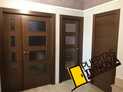 Puertas de interior modernas lisas en Wengue