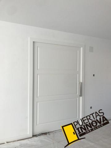 Puertas blancas modelo LAC-103
