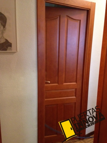 Puertas de madera maciza puertas innova s l u for Puertas madera maciza