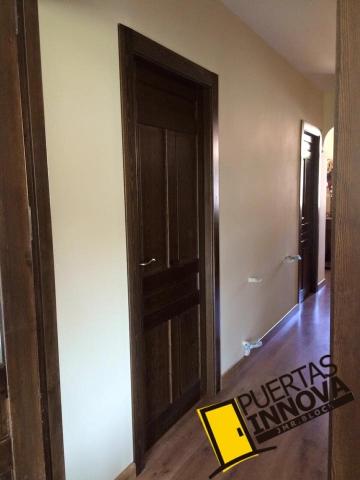 Puertas rusticas de interior modelo iker puertas innova - Herrajes rusticos para puertas ...