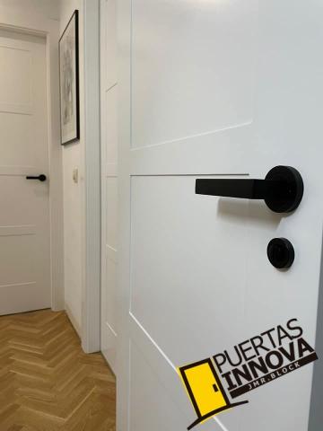 MODELO PUIERTA BLANCA LAC-5104