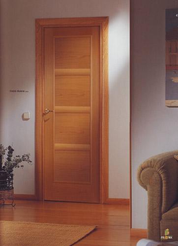 Puerta interior moderna modelo 7400 roble for Puertas roble modernas